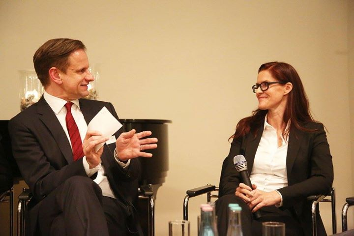 141111 Oliver Viel Panel-Diskussion International Employer Branding.jpg