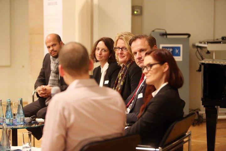 2_141111 Oliver Viel Panel-Diskussion International Employer Branding.jpg